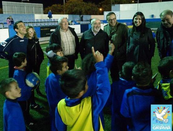 La visita de l'alcaldessa de Santa Coloma, Núria Parlon, a la Fundació Esportiva Grama