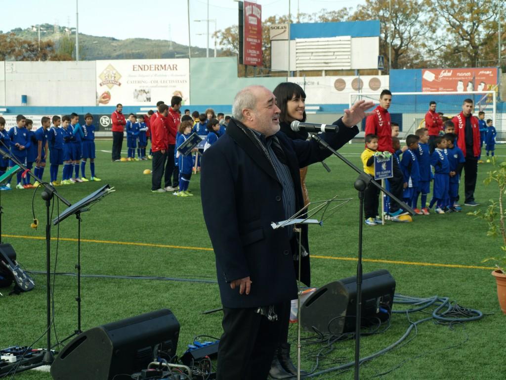 El Presidente de la FEGrama, Antonio Morales, parlamenta junto a la alcaldesa de Santa Coloma, Núria Parlon